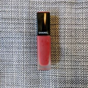 CHANEL Rouge Allure Ink No. 152 Choquant lipstick